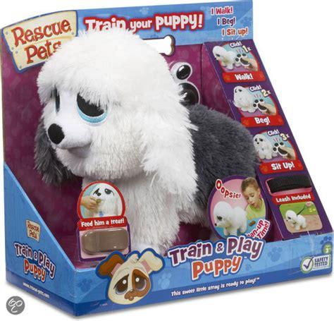 speelgoed hond die loopt en blaft een hond nodig die iets langer alleen kan blijven