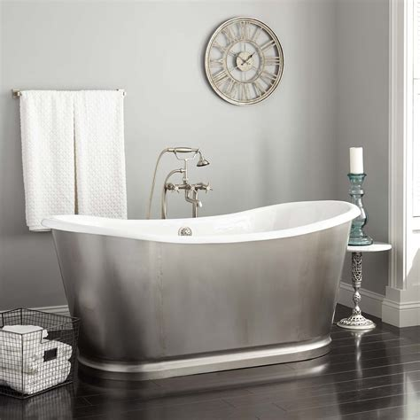 how many gallons does a bathtub hold how many gallons of water does a bathtub hold neaucomic com