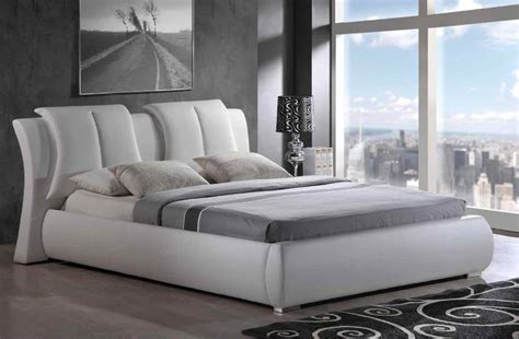 White Platform Bed With Headboard by Traditional Modern Style White Platform Bed With Headboard