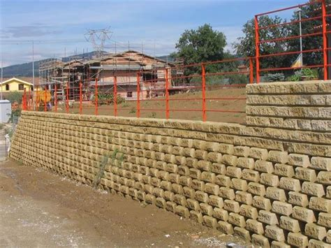 mattoni tufo giardino blocchi di tufo giardinaggio blocchi di tufo per