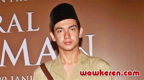 Film Jendral Sudirman Di Sctv | perankan jendral soedirman adipati dolken datangi makam