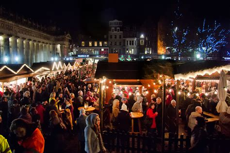 why you should spend christmas in edinburgh scotland