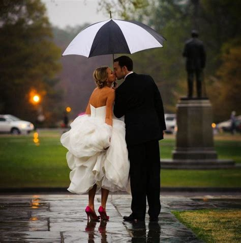 Your Wedding Photography by 25 Ways To Make The Best Out Of On Your Wedding Day