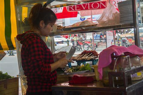 mrenh gongveal chasing the elves of the khmer books eats in phnom penh b 225 nh hỏi for lunch