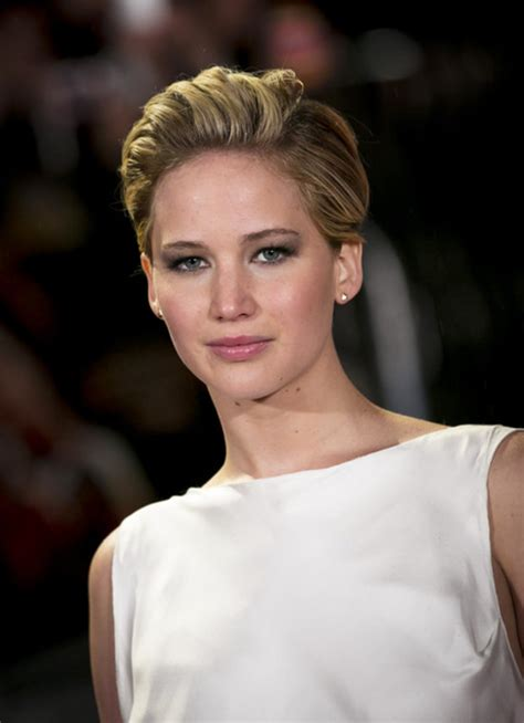 instructions for jennifer lawrece short haircut jennifer lawrence s hair at catching fire world premiere