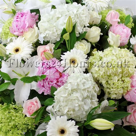 Flower Gift Delivery by Send Flowers To Same Day Gift Delivery Uk
