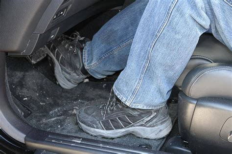 How To Get Salt Stains Out Of Car Mats by How To Remove Salt Stains From Car Floor Mats Meze