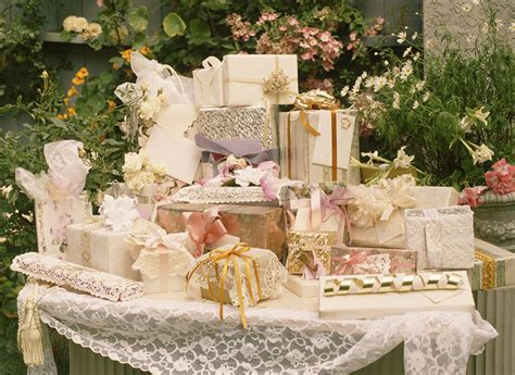 Wedding Gift Questions by Wedding Gift Etiquette Instyle