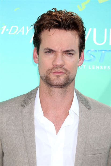 shane long hairstyle shane west messy cut shane west looks stylebistro
