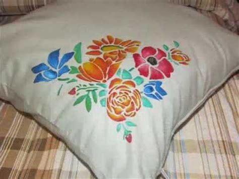 stoffa per cuscini tutorial pittura su stoffa decorazione cuscino