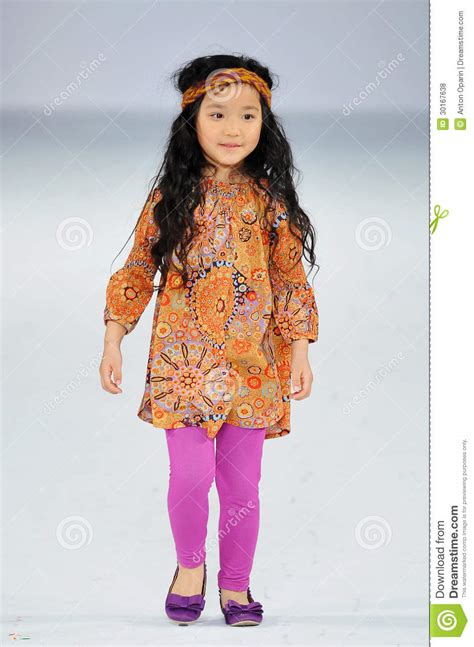 March Finds B5 Style by Show Child Model Images Usseek