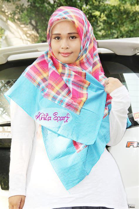 tutorial hijab pashmina motif polkadot hijab warna warni ala anitascarf tutorial pashmina by