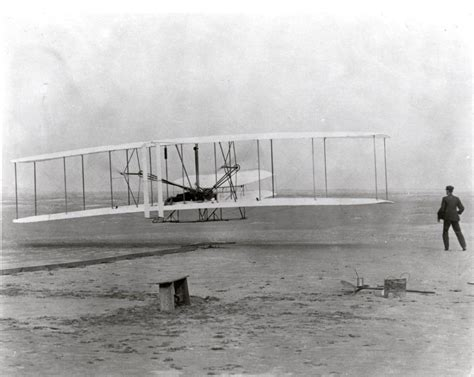 Wright Brothers date of wright brothers flight at hawk