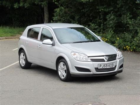 vauxhall silver used vauxhall astra 2009 petrol silver with for sale