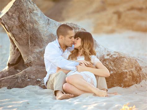 imagenes romanticas de parejas durmiendo fotos de pareja en la playa galer 237 a de im 225 genes y fotos