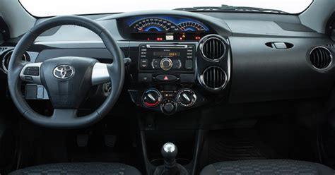 Toyota Etios G 1 2 Mt 2015 auto esporte toyota etios 2014 tem leve mudan 231 a no
