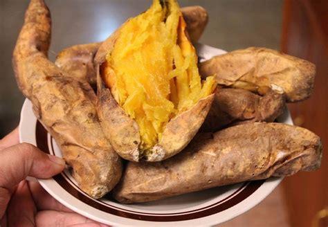 makanan khas bogor  wajib  coba enak  ngangenin