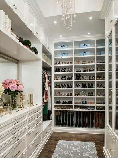 organized walk in closet walk in closet organize me