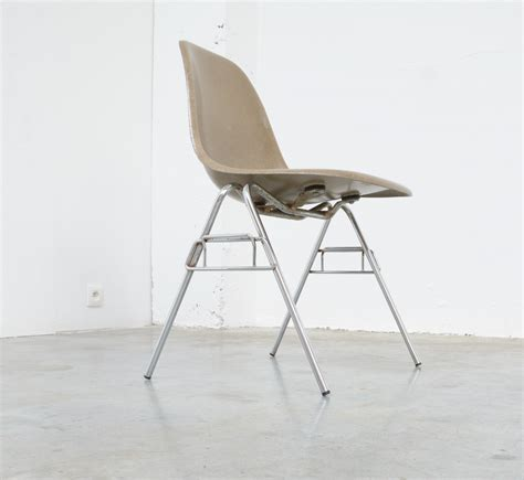 Herman Miller Charles Eames Chair Design Ideas Fiberglass Side Chairs By Ch R Eames For Herman Miller Vintage Design Point