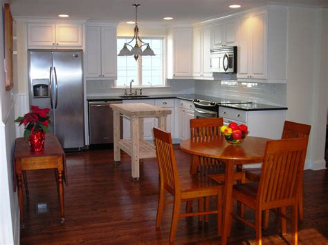 Small Kitchen White Cabinets by Small White Kitchens Nukitchensnukitchens
