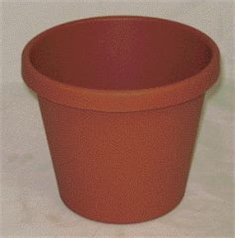 24 Inch Flower Pots Akro Mils Classic Flower Pot Clay 8 Inch Pack Of 24 12008cl