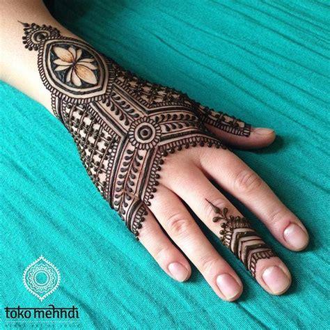 henna tattoo utrecht best 25 lotus henna ideas on lotus