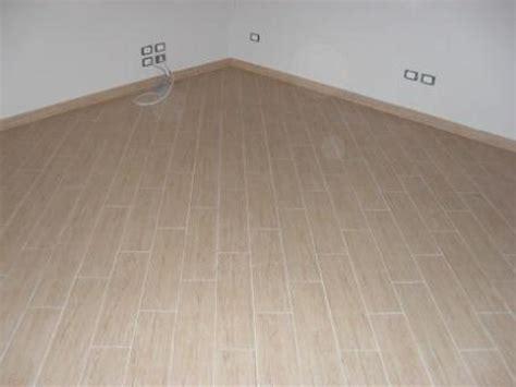 ristrutturazione pavimenti foto ristrutturazione di villa posa pavimento in