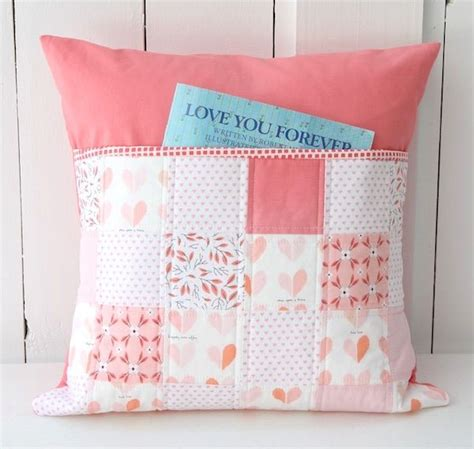 How To Make A Book Pillow by 25 Best Ideas About Travel Pillows On