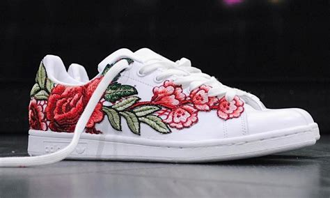 Sneakers Flowers best sneakers on instagram adidas stan smith flower bomb