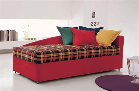trasformare un letto in un divano come trasformare un letto singolo in un divano