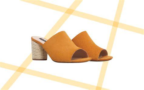 Flatform Hak Dan Tali Leo langkah atraktif dengan alas kaki espadrilles
