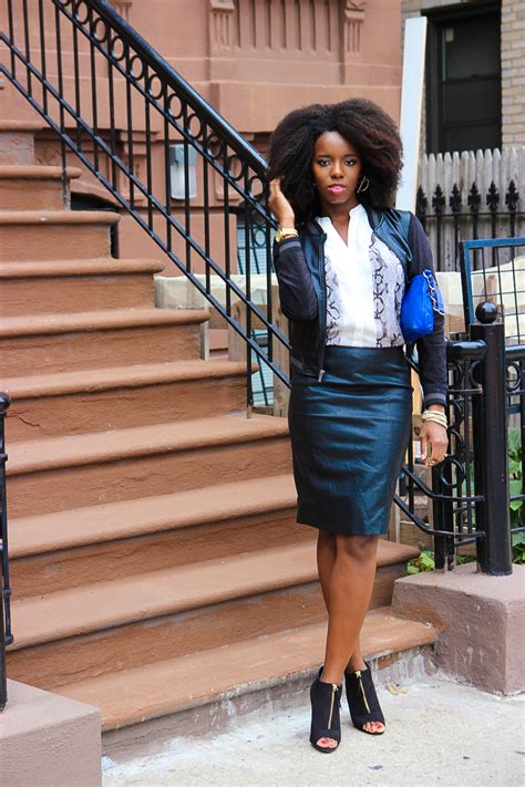what to wear with faux leather skirt redskirtz