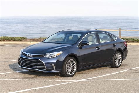 price of new toyota avalon 2017 toyota avalon reviews and rating motor trend