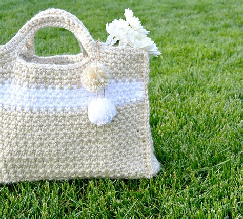 crochet patterns bags easy big easy and stylish crochet bag pattern mama in a stitch