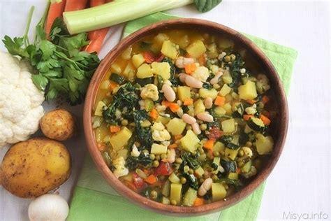 cucinare il minestrone 187 minestrone di verdure bimby ricetta minestrone di