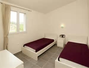 d 233 co chambre avec 2 lits simples