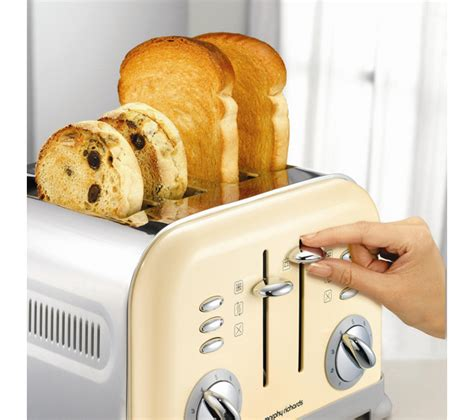 giveaway win a morphy richards kettle and toaster set