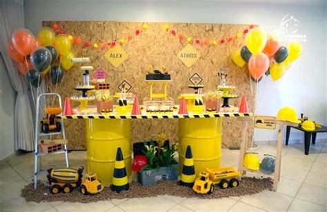 Dinosaur Lawn Decorations 10 Awesome Birthday Party Ideas For Boys Spaceships And