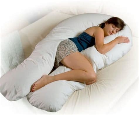 When Do You Need A Pregnancy Pillow by The Best Pregnancy Pillow Of 2018 Buyer S Guide And Reviews