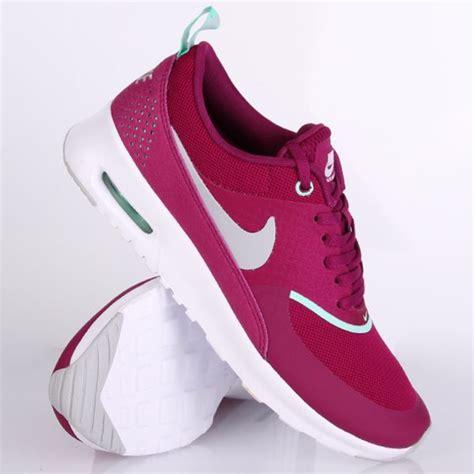 Sepatu Nike Airmax Thea Navy Putih nike air max thea lila pink