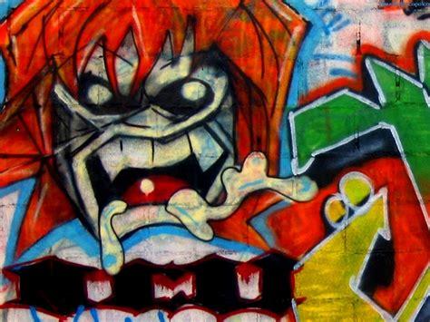 real history  evolution  arrows  graffiti art