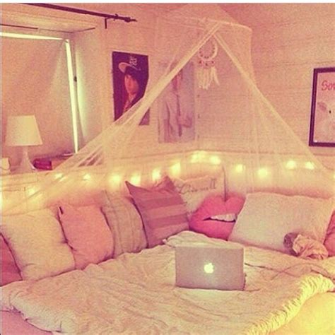 white sweet girl room decoration pajamas bedding home decor hair accessory home