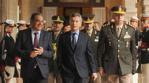 blanqueo de sueldo a gendarmes y prefectos para el ao 2016 el gobierno aumenta los sueldos para militares gendarmes