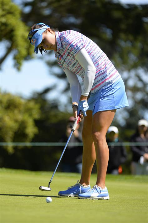 swing skirts lpga lexi thompson photos photos swinging skirts lpga classic