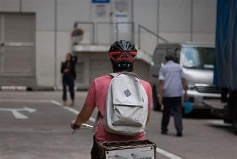 Helm Sepeda Lumos Lumos Helm Sepeda Aman Dengan Lu Indikator Republika