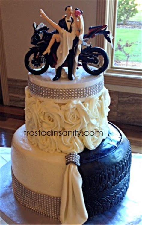 hochzeitstorte motorrad frosted insanity split and groom cake