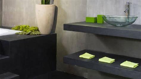 Délicieux Repeindre Carrelage Salle De Bain #3: peinture-effet-beton-gris-sur-carrelage-et-plan-vasque-salle-de-bain.jpg