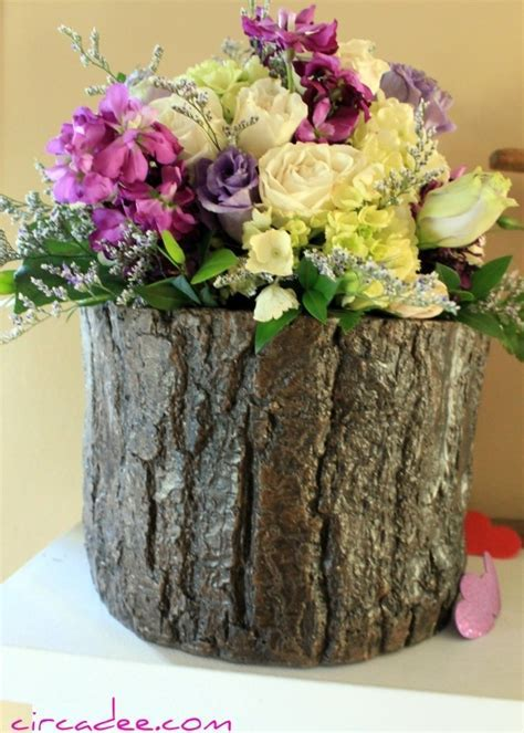 tree stump vase (& flowers *eerily* like my wedding