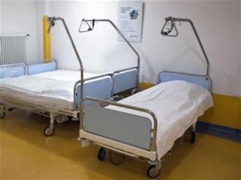 krankenhaus bett hessisches kabinett beschlie 223 t 196 nderung der