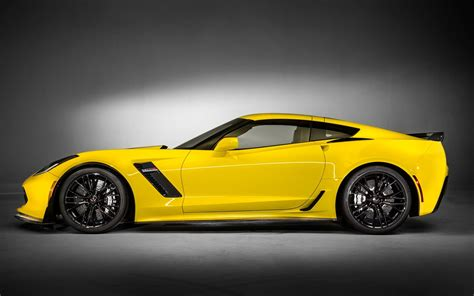 yellow porsche side view 2015 chevrolet corvette z06 car yellow cars side view